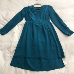 BCBGMaxAzria Dresses - BCBGMaxAzria 💯 Silk Long Sleeve Dress